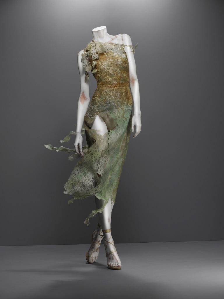 Alexander McQueen. Colección Highland Rape.