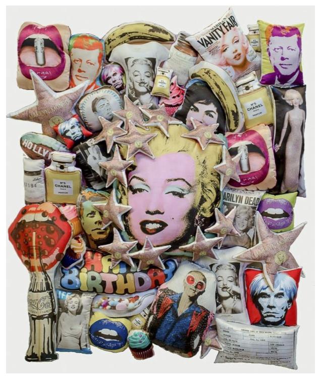 MARILYN ́S LIFE II, Nora Adame+Alejandro Osorio, Cojines sobre base de acrílico, 90x110, 2015