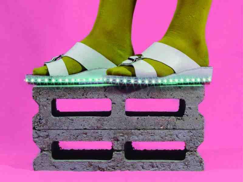 Autor: Cristto & Andrew Título: Hiper Futurism Año: 2014 Técnica: Impresión de tintas pigmentadas sobre papel fotográfico, enmarcado. Medida: 80 x 60 cm Ed: 5 copias + 2 P.A.