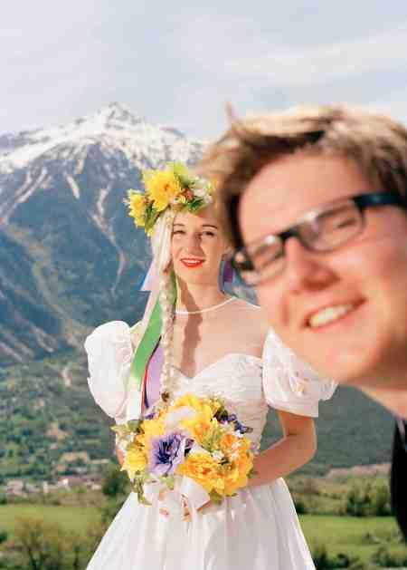 Romain Mader, born 1988 Ekaterina: Mariage à Loèche-les-Bains (Marriage in Leukerbad) 2012. 400 x 500 mm © Romain Mader / ECAL